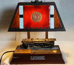 Lionel Hudson 700E Train Desk Lamp Stained Glass Style Animated Locomotive