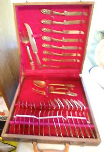 29 Piece Gold Plate Flatware Complete Set for 8 Siam in Wood Silverware Case