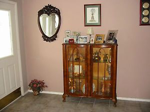 CA 1920's English Art Deco Collectible Locking Curio Cabinet