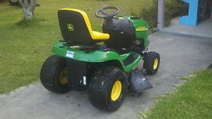 John Deere L118 Lawn Tractor Riding Mower Low Hours with Bagger