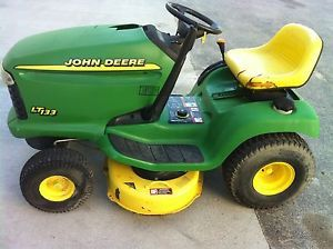 "John Deere LT133 38"" Riding Mower Lawn Tractor 13HP"