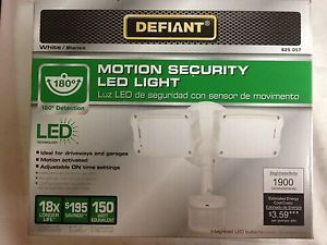 Defiant 180 Degree Outdoor Motion Activated White Security LED Light 625057 BNIB