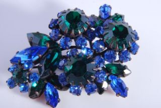 Vintage Style Emerald Green Blue Rhinestone Flower Brooch 56K