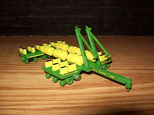 Ertl 1 64 Tractor John Deere 7200 12 Row Planter Seeder Farm Toy
