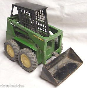 Ertl 569 John Deere Skid Steer Bob Cat Tractor Loader Diecast Model Toy
