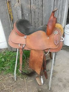 "15"" Crates Barrel Racing Saddle"