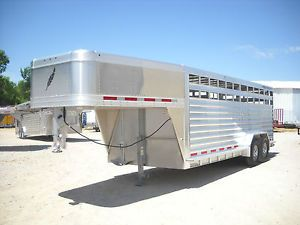 FeatherLite Model 8127 20' 20ft Enclosed Aluminum Cattle Gooseneck Stock Trailer