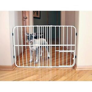 Carlson Tuffy Metal Expandable Pet Gate with Small Pet Door 0624DS Cream