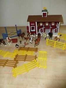 Breyer Stable Play Set Fences Lots of Horses