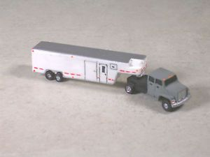 N Scale Gray Ford Semi w Dual Axle White Horse Trailer