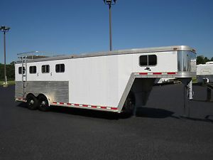 Good Solid 30' 2001 FeatherLite 8541 3 Horse Slant Trailer w Dressing Room