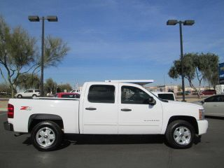 11 4x4 4WD White 5 3L V8 Automatic Miles 57K Crew Cab Pickup Truck Certified