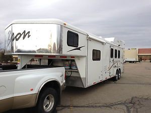 2013 Bison Trail Express Horse Trailer with Living Quarters and Slide New
