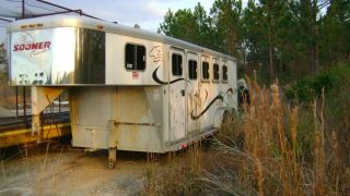 2000 Sooner Four Horse Gooseneck Trailer