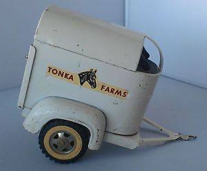 Tonka Farms Horse Trailer w 2 Horses