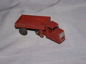 Dinky Toys Mechanical Horse and Trailer