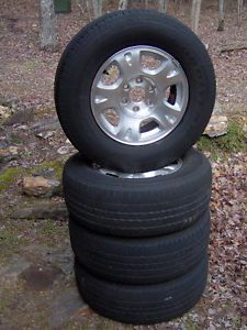 4 2003 Chevy Avalanche 4x4 Truck Wheels with P265 70 R17 Tires