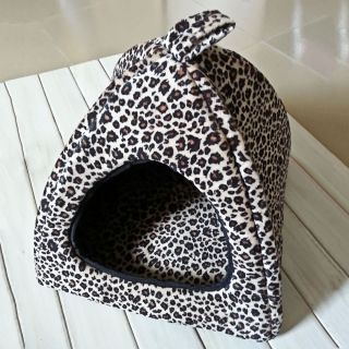 Cute Warm Small Soft Pet Dog Cat Bed Indoor House Kennel Nest with Plush Mat Pad