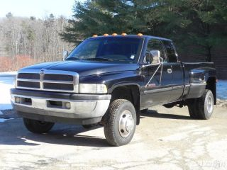 Dodge RAM 3500 Laramie SLT Dually