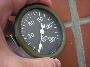 "N O s Stewart Warner 2 5 8"" Curved Glass Oil Pressure Gauge Mint"