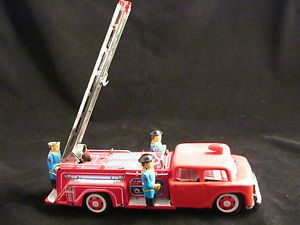 STI Red Fire Truck Engine MF718 Fireman Bells Extension Ladder Still Operates