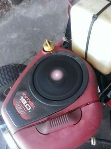 Briggs and Stratton 18 HP Vertical Shaft Riding Lawn Mower Engine 31H717
