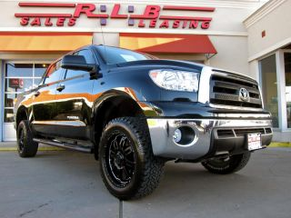 2013 Toyota Tundra Crew Max Platinum 4x4 Navigation Leather Moonroof More