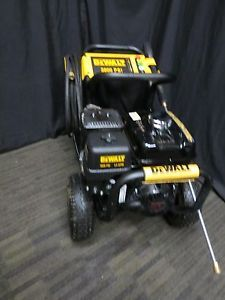 Dewalt 3800 PSI 3 5 GPM Honda GX270 Engine Pro Triplex Pump Gas Pressure Washer