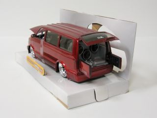 2001 Chevrolet Astro Diecast Model Van Jada Dub City 1 24 Scale Red