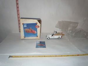 Hallmark 1938 Chevrolet Fire Engine Fire Brigade Collector's Series White w Card
