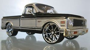 "Jada Dub City 1972 Chevy Cheyenne Custom Pickup Truck 20"" Custom Wheels 1 24"