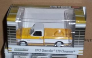 Greenlight 1 64 Chevy C10 1972 Cheyenne Pickup Truck Brown Pinstripe Yellow Bed