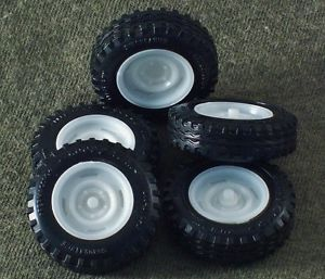 1 25 Scale Model Car Parts Junk Yard 4x4 Off Road Truck Tires Wheels