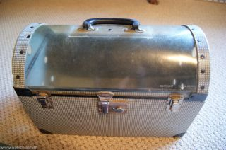 Awesome Vintage Pet Carrier Cat Dog Bird Small Domed Clear Plastic Top