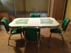 Vintage Mid Century Modern Green Chrome Formica Table w 4 Chairs and Leaf
