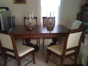 Broyhill Wooden Dining Room Set with Matching China Cabinet 8 Chairs