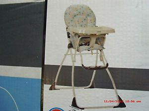 BNIB Cosco Flat Fold High Chair Kenya Model 03354AKS