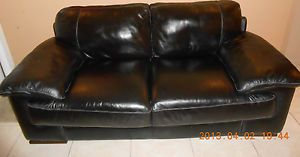 Beautiful Premium Black Italian Leather Sofa by Cindy Crawford Home