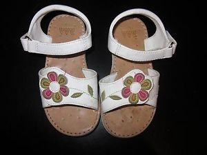 Toddler Girls' White Sandals with Pink Green Flower Size 8 So Cute