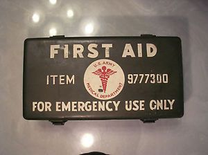 Vintage WWII Jeep First Aid Kit US Army Medical Dept 9777300 Original Contents