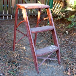 Vintage Industrial Machine Age Metal Stool Fold Out Step Ladder Heavy Duty Brown