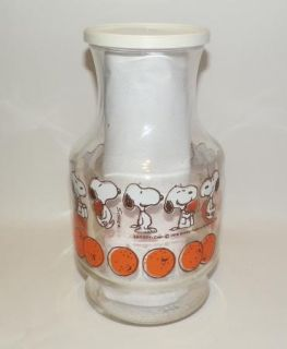 Vintage Snoopy Peanuts Glass Orange Juice Pitcher Decanter w Lid