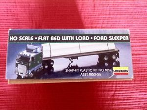Lindberg Snap Fit HO Scale Model Kit Ford CL 9000 w Flatbed Trailer Load