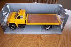 Chevrolet C65 Flatbed Truck 1975 HIGHWAY61 Scale 1 16
