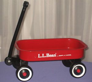 Classic Mini ll Bean Radio Flyer Kids Little Red Wagon Toy Dolls Bears Display