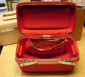 Samsonite Saturn Vintage Red Train Case Makeup Hard Side Retro Luggage