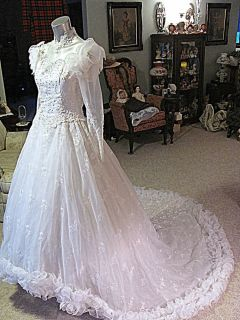 Victorian Style Wedding Dress Gown Roses Costume Plays Theater