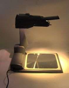 3M 2770 Compact Flat Stage Portable Folding Overhead Projector with Case Nice
