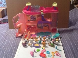 "Littlest Pet Shop LPS ""Cozy Care Adoption Center"" Playset 22 Pets"