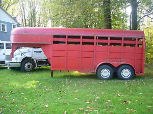 Corn Pro Gooseneck Cattle Trailer